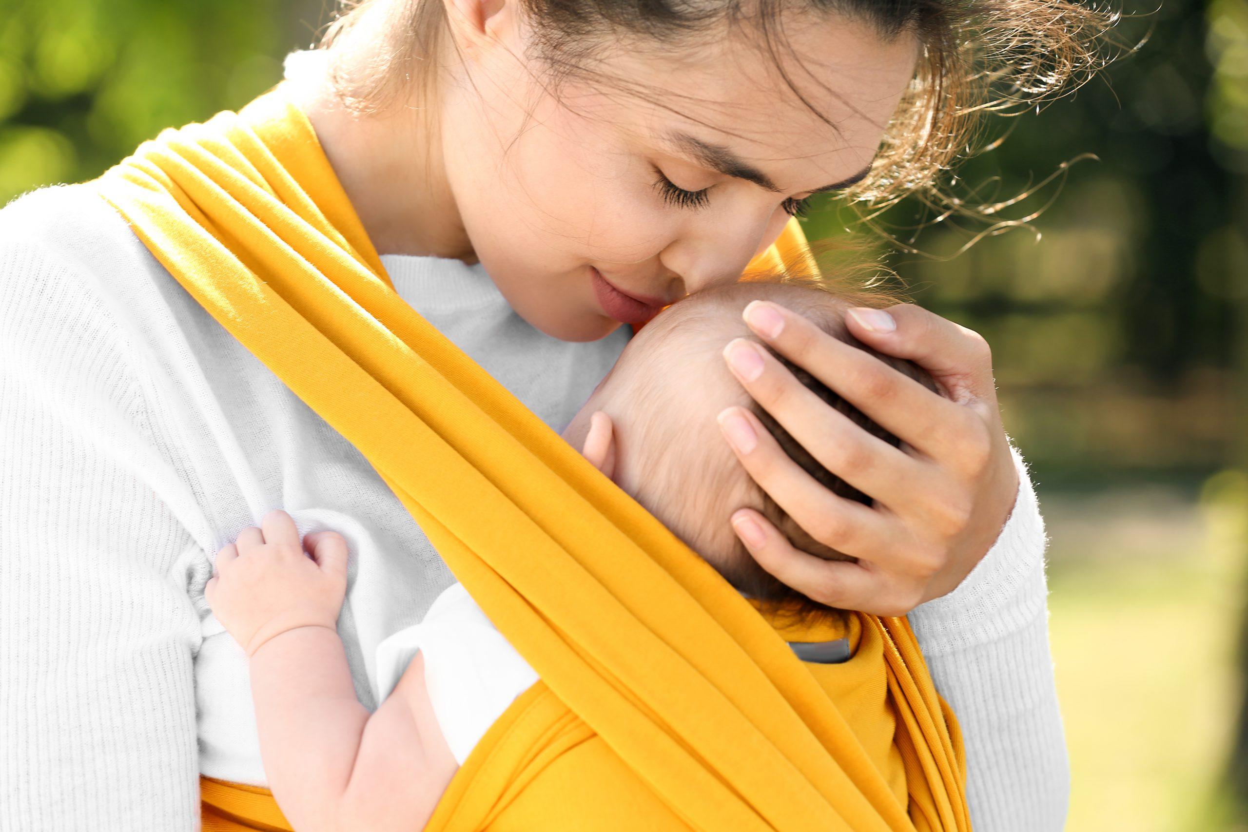 Chusty do noszenia dzieci – jak zrobić?